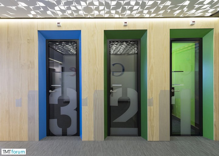 Google-Madrid-by-Jump-Studios_dezeen_ss_15