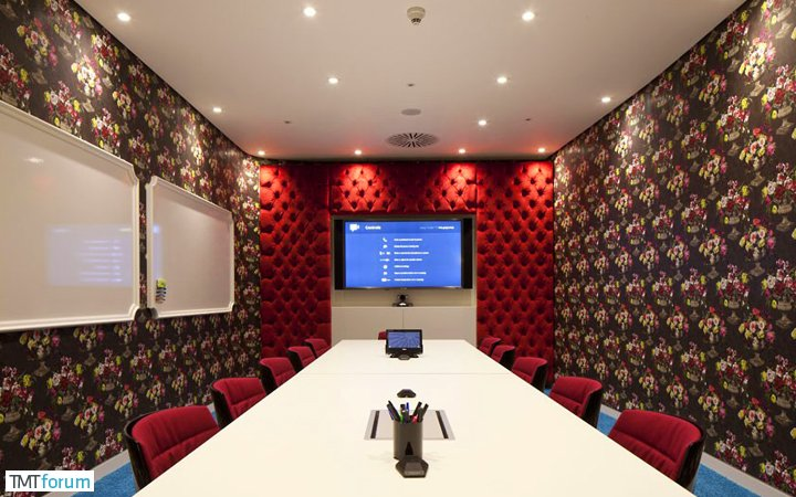 damndigital_office-show_google-office-soho-london_2013-07_14