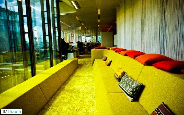 damndigital_office-show_google-office-soho-london_2013-07_18