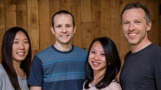 硅谷科技大佬排队投资了一家居家养老公司,为啥?